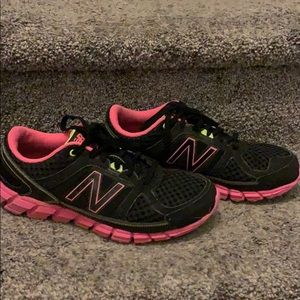 New Balance 750 v1 black & pink running shoes 8